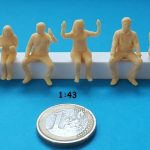 figurine assis 1/43